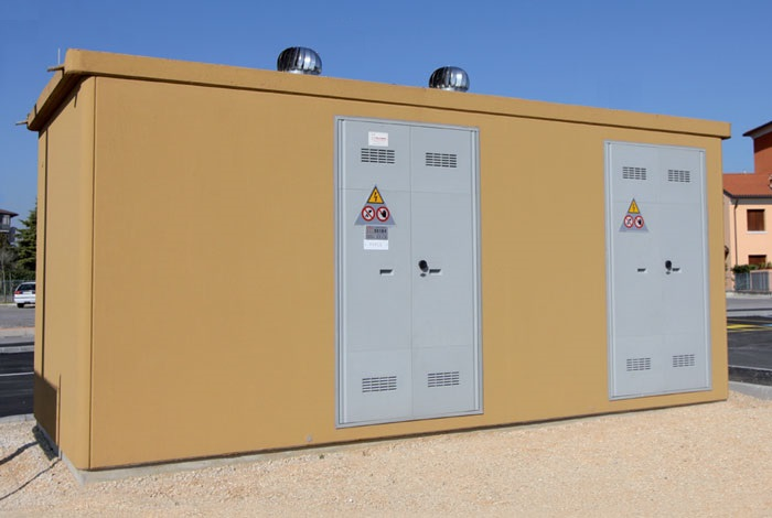 Prefabricated electrical substation made of vibrated reinforced concrete